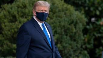 Präsident Donald Trump wurde am Freitag in ein Militärspital geflogen.