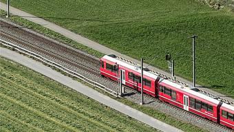 Hier teilt sich die Rhätische Bahn einen Streckenabschnitt mit der breiteren SBB. Sind dreigleisige Schienen auch Zukunftsmusik fürs Waldenburgerli?