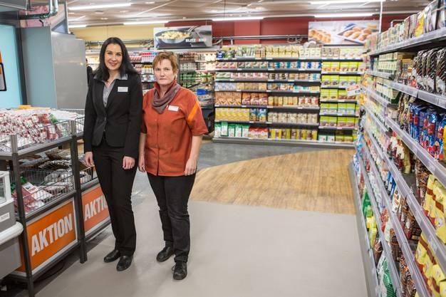 Migros-Provisorium an der Wengistrasse Migros Marktleiterin Sabrina Schwander mit Renate Lüdi, Fachleitung Fleisch