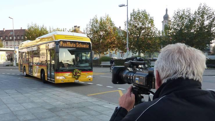 Die Zukunft fährt ein auf dem Eisiplatz: Dieser Brennstoffzellen-Bus (einer von fünf) verkehrt ab dem 15. Dezember in Brugg und Umgebung.  BY