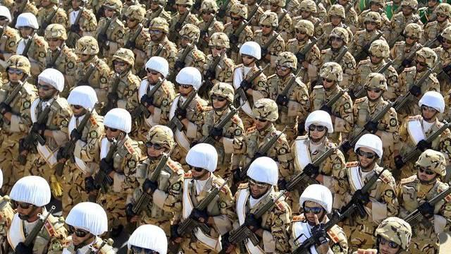 Militärparade in Teheran (Archiv)