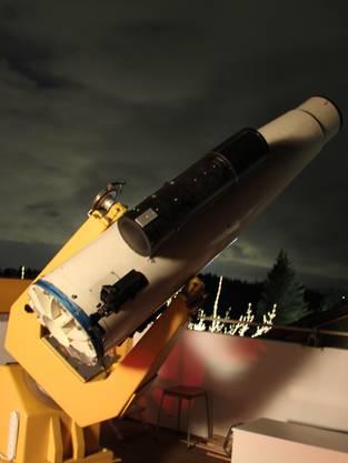 Mit dem Teleskop einen Blick in den Himmel wagen