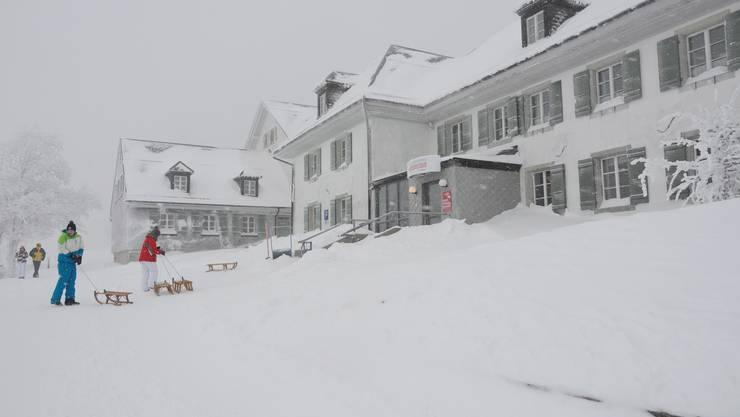 Das Kurhaus Weissenstein im Schnee.
