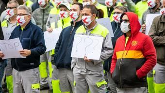 Können ihre Arbeitsplätze gerettet werden? Die Angestellten von General Electric beim friedlichen Protest in Oberentfelden.