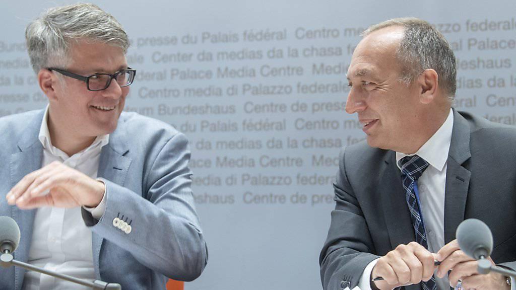 Das Bundesamt für Kommunikation (Bakom) hat das Mediensystem unter die Lupe genommen.  Im Bild Bernard Maissen, Leiter der Abteilung Medien (rechts), und Stefan Thommen, Mitglied der Geschäftsleitung von Publicom.