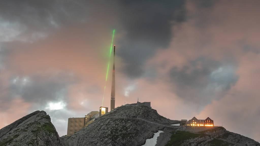 Blitzkanone: Forscher testen auf Säntis Laserblitzableiter