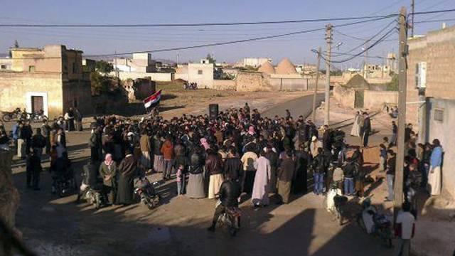 Ungeachtet der Gewalt des syrischen Regimes gibt es immer wieder Proteste