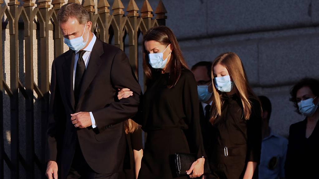 Der spanische König Felipe VI., Königin Letizia und Prinzessin Sofia nahmen an der Trauerfeier für die Opfer der Lungenkrankheit Covid-19 in Madrid teil. (Archivbild)