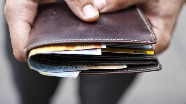 Dem Rentner wurde das Portemonnaie gestohlen (Symbolbild)