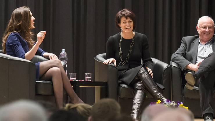 Moderatorin Susanne Wille entlockte Doris Leuthard einige Geschichten aus der Zeit an der Kanti in Wohlen.