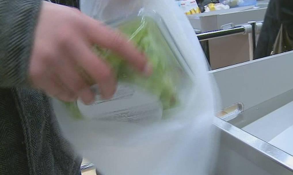 Papiersäcke sind nicht unbedingt besser für die Umwelt als Plastiksäcke