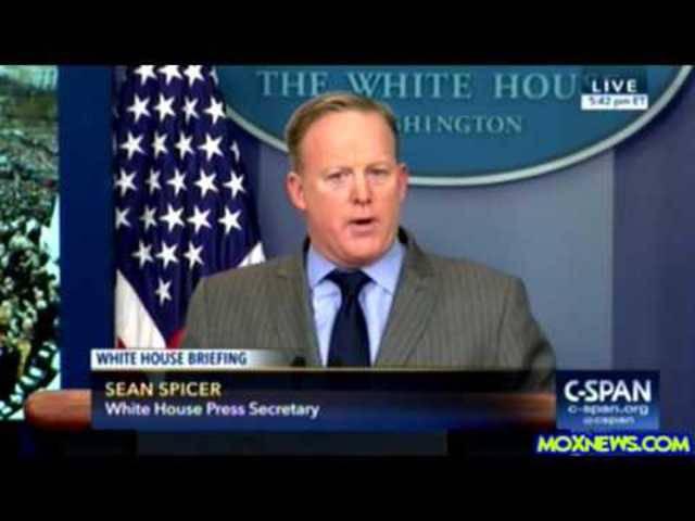 Sean Spicer – der unglaubliche erste Auftritt von Trumps Pressesprecher