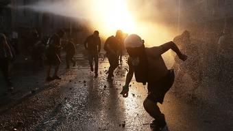 Die anhaltenden Sozialproteste in Chile zeigen Wirkung: Die Regierung spricht ein umfangreiches Massnahmenpaket und eine Erhöhung der Staatsausgaben. (Archivbild)