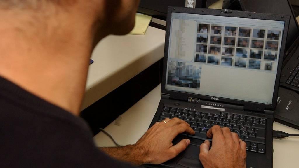 60'000 Bilder von nackten Buben auf PC – Mann verurteilt