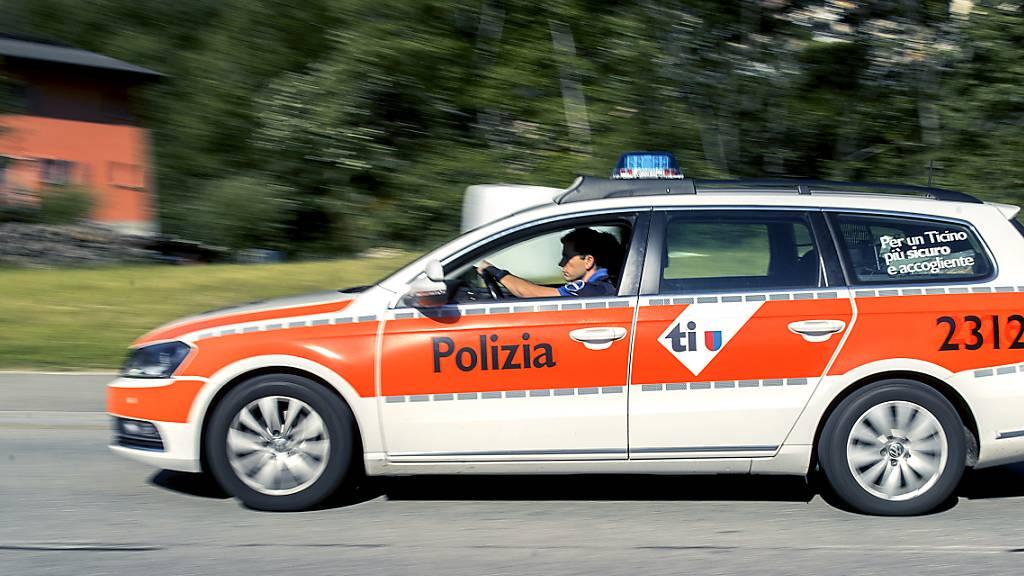 Autofahrer stirbt bei Unfall in unwegsamem Gelände