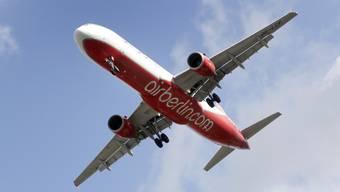 Die Veruntreuungsvorwüfe an Air-Berlin-Gründer Joachim Hunold sollen im Zug des Insolvenzverfahrens der Fluggesellschaft aufgearbeitet werden. (Symboldbild)