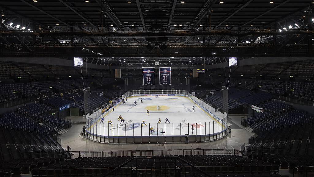 Ein Geisterspiel der ZSC Lions im Hallenstadion - allfällige Finanzhilfen vom Bund für die Einnahmeausfälle bleiben wohl an Lohnsenkungen gebunden