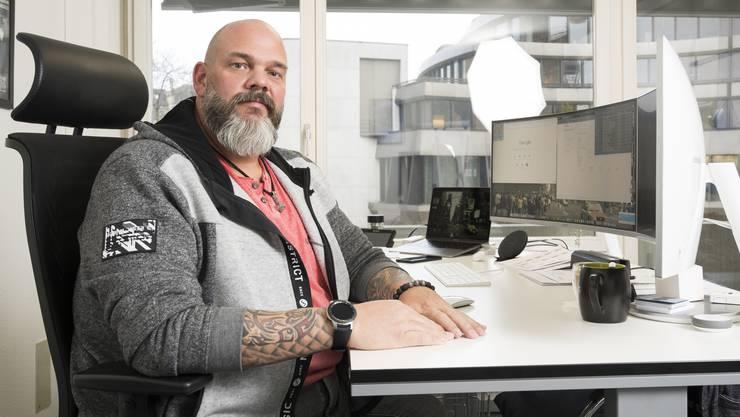 Reto Schaub, Informatiker, hat seinen Neujahrsvorsatz 2017/2018 umgesetzt und über 60 kg auf 130 kg abgenommen.