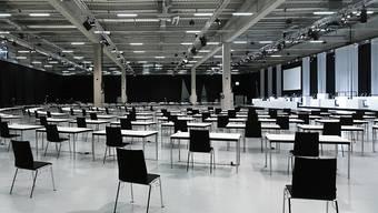 Auch die Sommersession der eidgenössischen Räte vom Juni findet in den Berner Messehallen der Bernexpo statt. Die Infrastruktur kann also nach der ausserordentlichen Session stehen bleiben. (Archivbild)