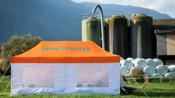 Der Zivilschutz in Aktion: Auf einem Bauernhof wird ein Ausbruch der Maul- und Klauenseuche simuliert.