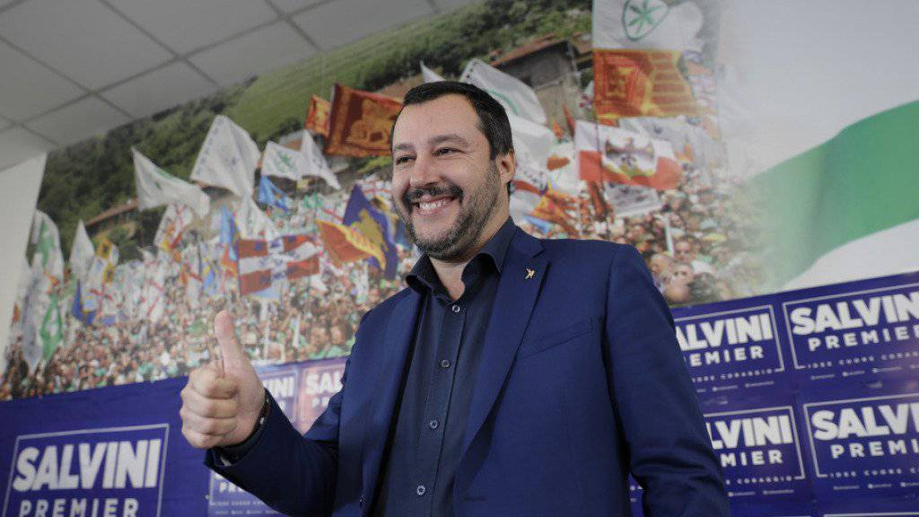 Der Chef der Lega Nord, Matteo Salvini, am Montag vor den Medien in Mailand.