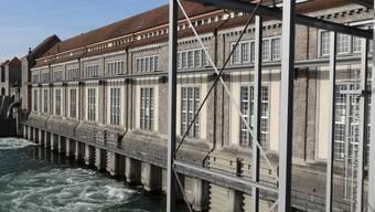 Hohe Produktion der Energiedienst-Wasserkraftwerke, hier das Flusswasserkraftwerk Laufenburg, im ersten Halbjahr 2013. chr