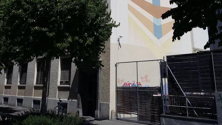 Die jüdische Tagessschule an der Schöntalstrasse im Zürcher Kreis 4 soll einem Neubau weichen.