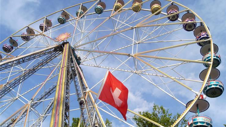Das Riesenrad bietet einen guten Rundblick auf Urdorf und die Gegend.