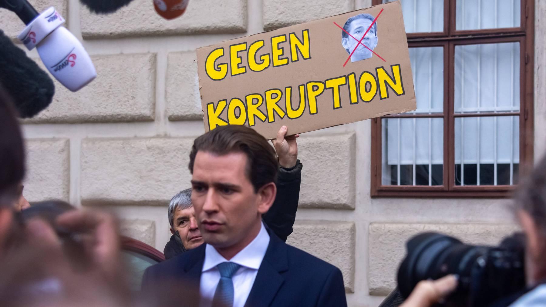 Gegen Kanzler Sebastian Kurz wird wegen Korruption ermittelt.