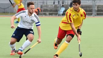 Im Heimspiel gegen Lugano (2:3) führte Mirko Hug (links) den HC Olten erstmals als Captain aufs Spielfeld.