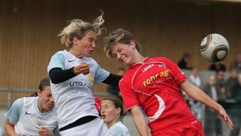 Justine Eugster (FCA, rechts) traf im Spitzenkampf.