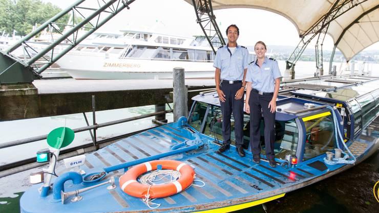 Deckchef Tobias Wagner und Schiffsführerin Adriana Holdener.