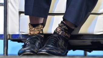 Durch den Wind: Boris Johnson trug während der Debatte einen seiner Socken mit der Innenseite nach aussen.