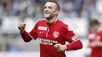 Christian Schneuwly jubelt nach seinem Siegtor kurz vor Spielende