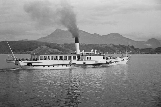 Die «Rigi» um 1938. Ihre letzte Fahrt hatte sie nach 105 Jahren auf dem See im Mai 1952.