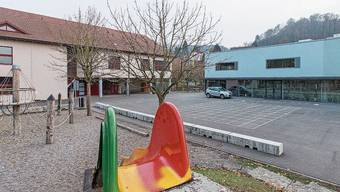 Die Variante «Neubau» sieht ein zusätzliches Schulhaus bei der Schulanlage Brugglismatt vor.