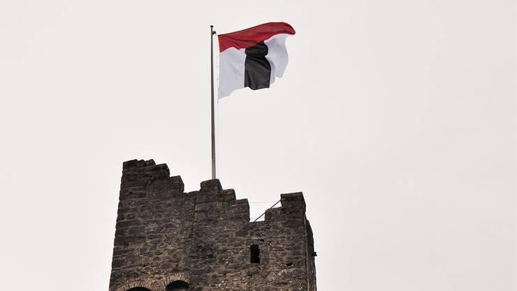 Der neue Stadtammann hat entschieden: Die Badener Fahne flattert im Wind.