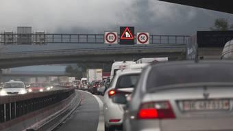 Nach drei Kollisionen auf der A3 kam es zu Verkehrsbehinderungen. (Symbolbild)