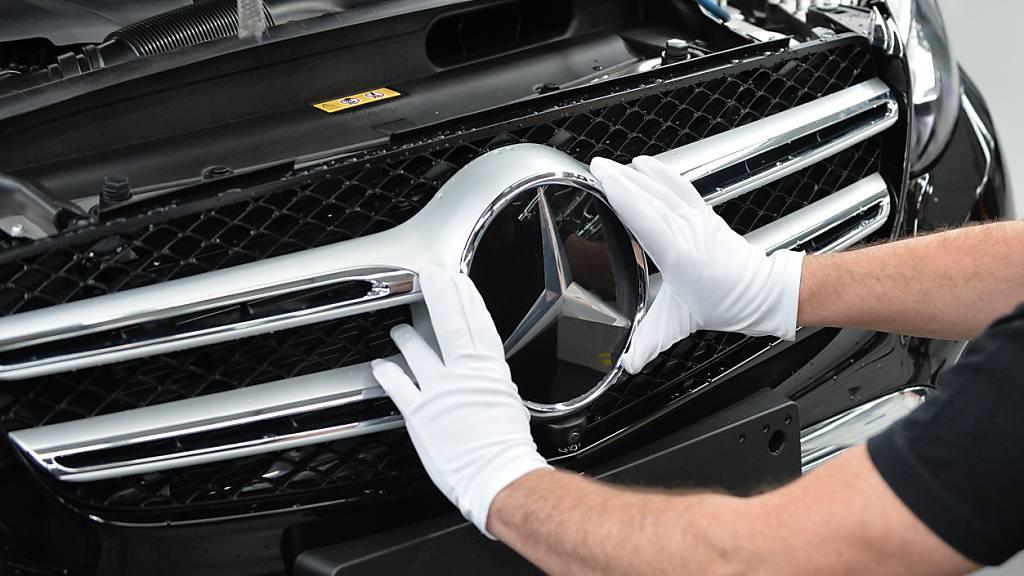 Halbleiter-Mangel bremst Mercedes-Benz aus