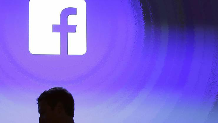 Facebook-Chef Mark Zuckerberg am Unternehmenssitz im kalifornischen Menlo Park. (Archivbild)