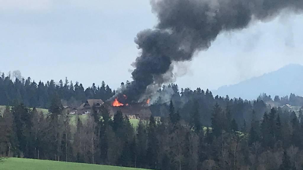 Scheune brennt in Ruswil komplett nieder