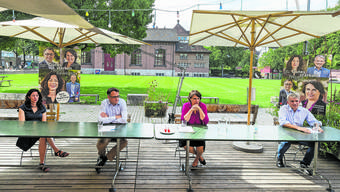 Die SP nimmt die grüne Regierungspräsidentin Elisabeth Ackermann (3.v.l.) in ihre Mitte. Hier mit den SP-Kandidierenden Tanja Soland, Kaspar Sutter und Beat Jans.