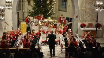 Die Brass Band Matzendorf stellte am Weihnachtskonzert in der voll besetzten Kirche unter der Leitung von Marcel Bossert einmal mehr ihr Können unter Beweis.