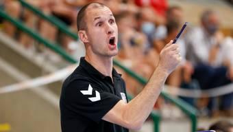 HSC-Torhütertrainer Milos Cuckovic in seinem Element an der Seitenline.