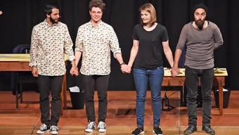 Von links Sanjiv Channa, Dominik Muheim (Gewinner), Hazel Brugger und Aydin Isik.