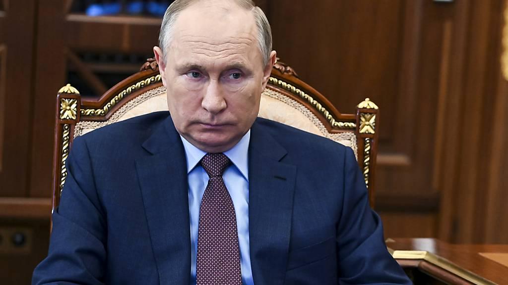 Putin ordnet arbeitsfreie Tage in Russland an