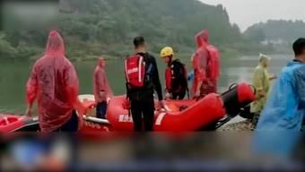 Im Südwesten Chinas sind acht Schulkinder nach einem fehlgeschlagenen Rettungsversuch in einem Fluss ertrunken. Nach einer Suchaktion wurden die Leichen geborgen.