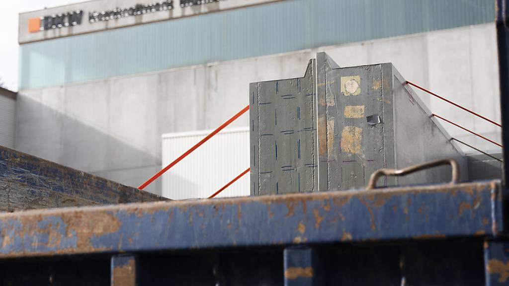 Die Mühleberg-Betreiberin BKW hat die Arbeiten zum Rückbau des AKW in den letzten Monaten vorangetrieben. (Archivbild)