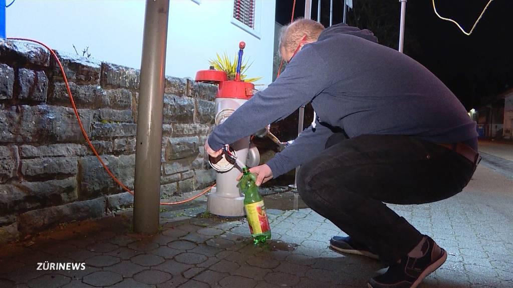Kein sauberes Trinkwasser in Rorbas: Wie gehen die Bewohner damit um?