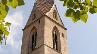 Die katholische Stadtkirche in Baden zeigt keine Zeit an, sie läutet nur zu Gottesdiensten. (Archiv)